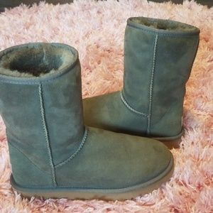 Authentic UGG boots size 7